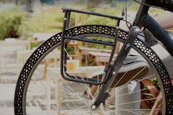 دوچرخه سوار برهم زننده نظم دیکته گردیده بر فضای اجتماعی است
